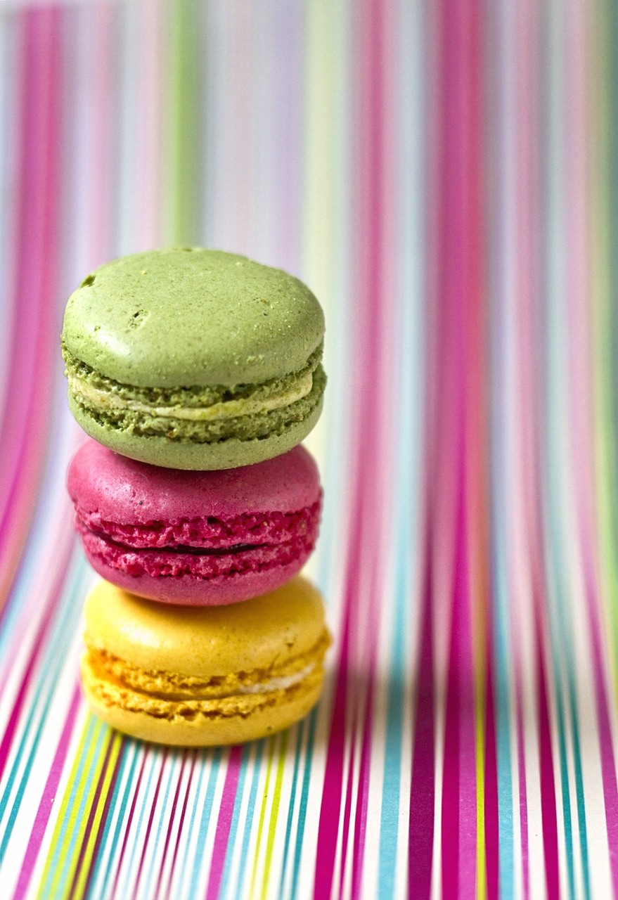Macaroons ogq backgrounds hd - Macaron iphone wallpaper ...
